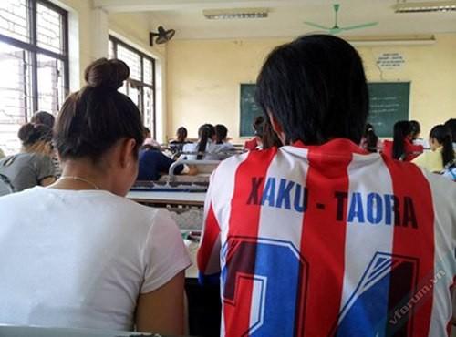 "Áo lớp kiểu bóng đá ""xaku...taora"""